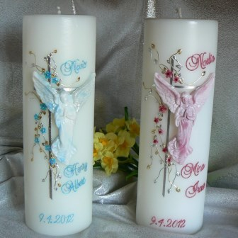 Taufkerze Engel mit Blüten