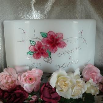 Hochzeitskerze Hibiskusblüten & Herzen